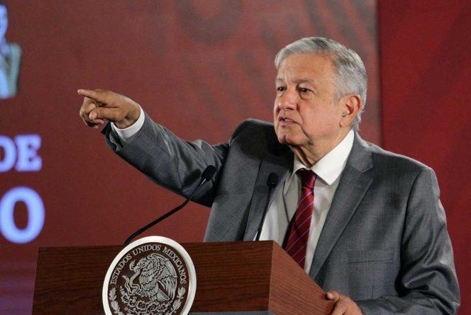 Urge López Obrador a Morena votación sin acarreos