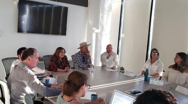 Une esfuerzos diputada Leticia Calderón con la sociedad civil organizada