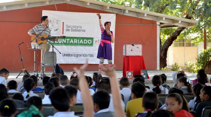 Apoya Voluntariado de la Secretaría de Gobierno con Biblioteca a primaria Narciso Mendoza