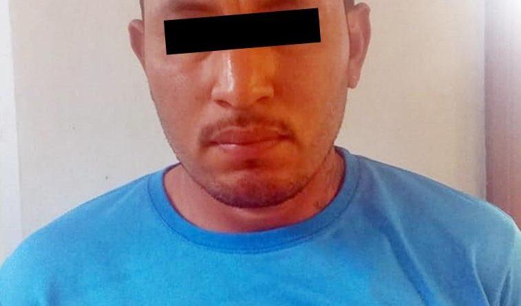 """DETIENEN AGENTES DE LA FGJE DE SONORA A PERSONA POR LA POSESIÓN DE """"CRISTAL"""", EN EL CENTRO DE CABORCA"""