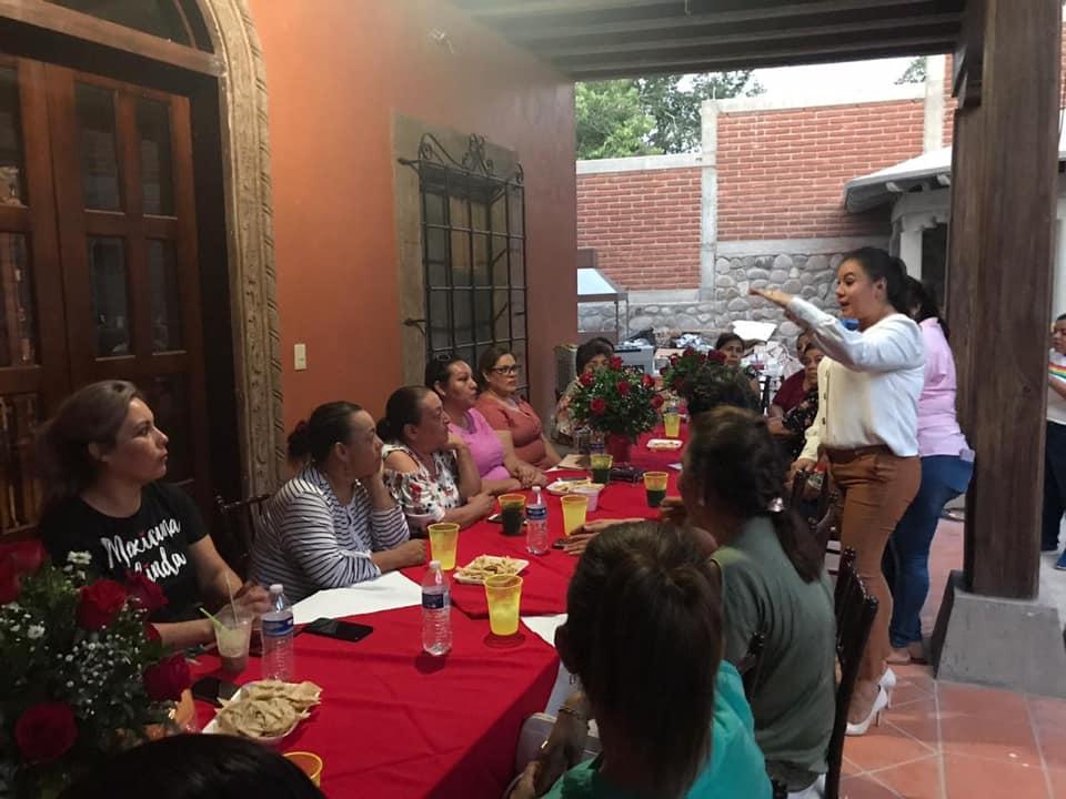 Encabeza Rebeca Barriga reunión con Damas Voluntarias de DIF
