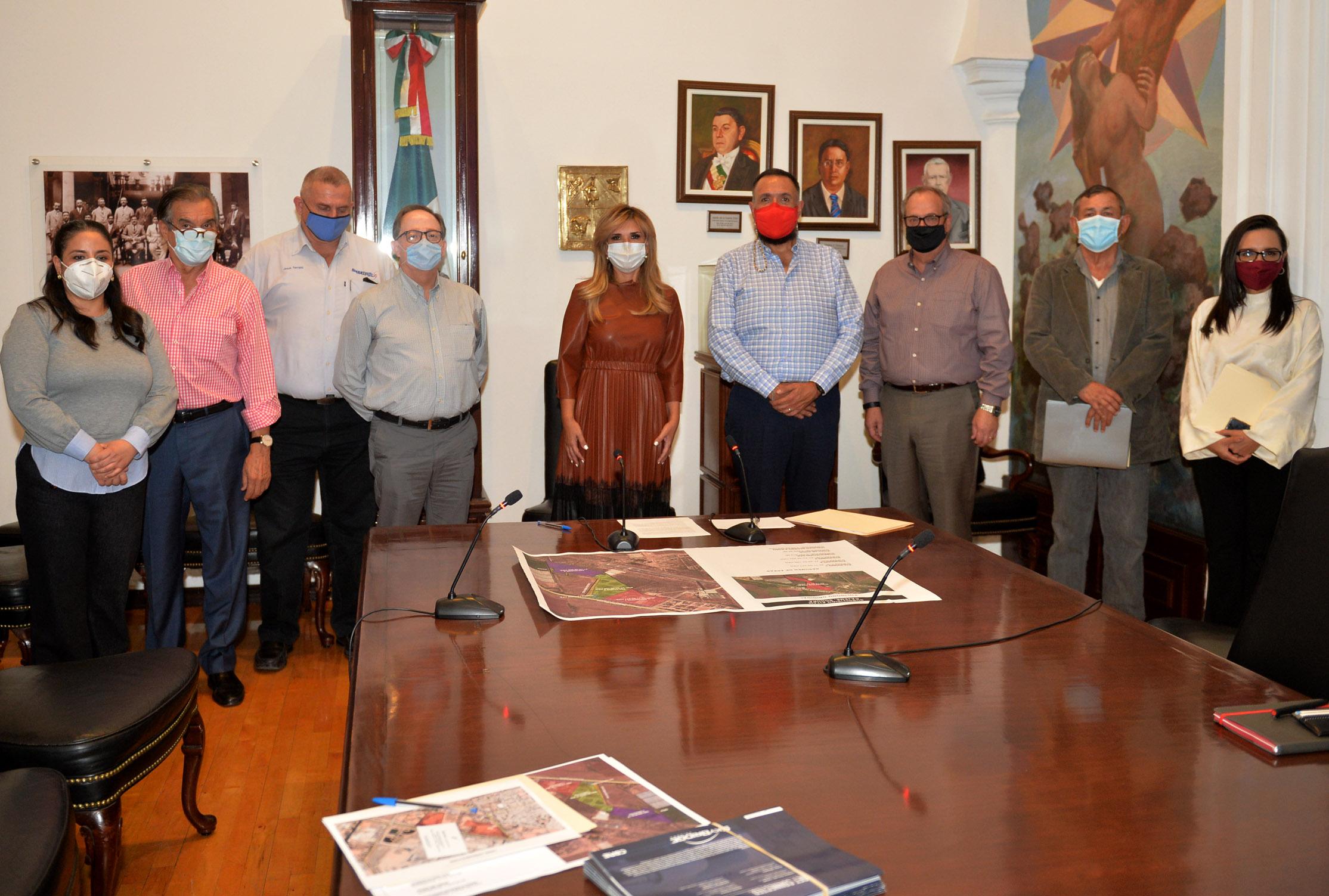 Presentan a Gobernadora proyecto SkyBridge Sonora