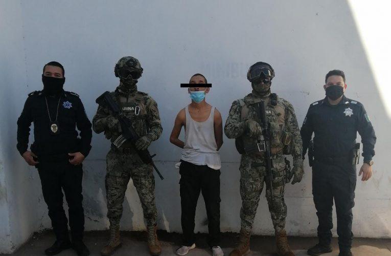 DETIENEN AGENTES A SUJETO CON ORDEN DE APREHENSIÓN POR DELITO DE ROBO A CASA HABITACIÓN