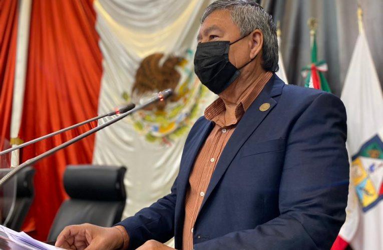 Llama Lázaro Espinoza a transparentar proceso de vacunación contra covid-19 y uso de recursos